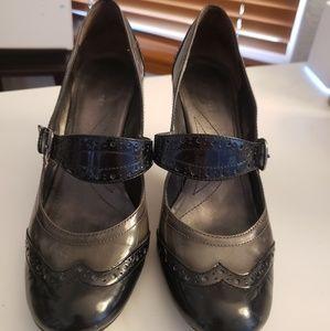 TAHARI Margo Oxford Jane 7M Heels